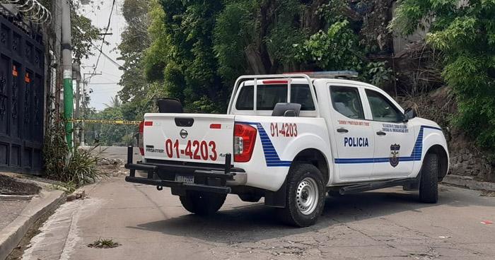 Asesinan de tres disparos a un joven enMejicanos
