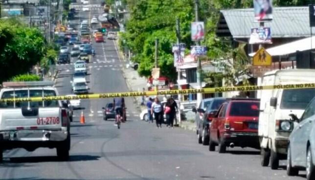 Pandilleros asesinan a un menor de edad frente a un edificio de la colonia Zacamil, Mejicanos