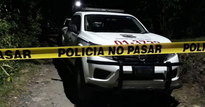 Asesinan a esposa de policía en Nejapa