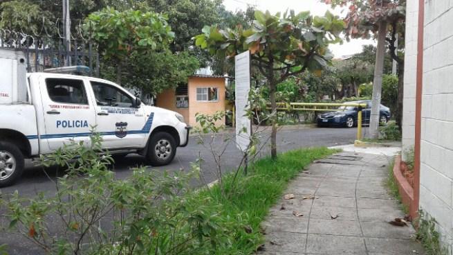 Asesinan a vigilante de residencial privada cerca de centro comercial San Luis