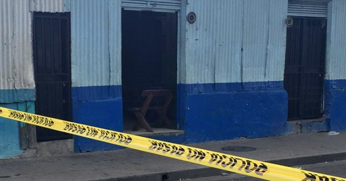 Asesinan a una mujer al interior de un prostíbulo de la avenida Independencia, en el centro de San Salvador
