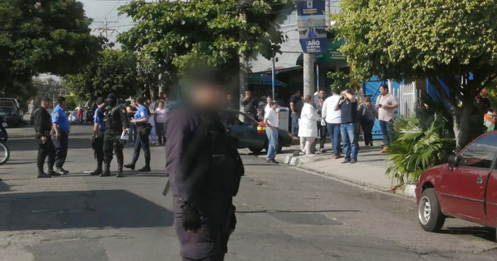 Matan a pandillero retirado frente a las Tres Torres del Ministerio de Hacienda