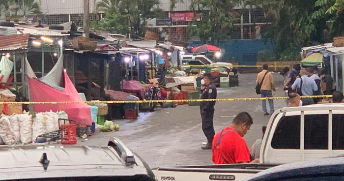 Dos hombres y una mujer asesinados del Mercado Central, en San Salvador