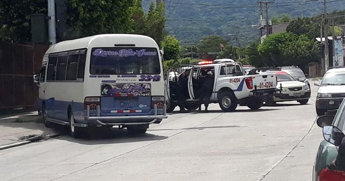 Matan a motorista de microbús de la ruta 33-B en Mejicanos