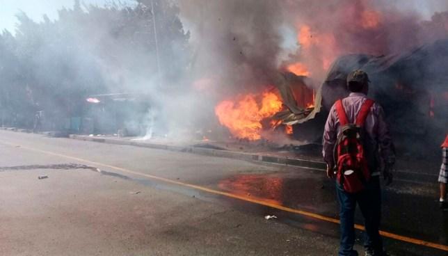 Mercado municipal de Lourdes Colón se incendia y destruye varios puestos de venta