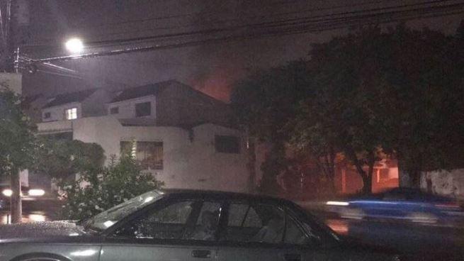 Vivienda de la Residencial Nueva Orleans se prendió en llamas dejando solamente daños materiales