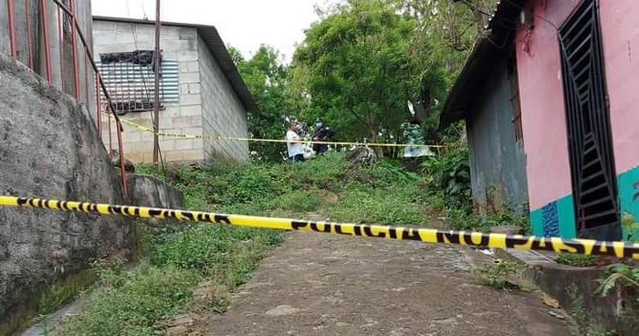 Joven muere calcinada durante un incendio en Santiago de María, Usulután