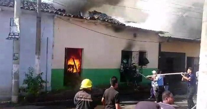 Cuatro viviendas dañadas por incendio en Sonsonate