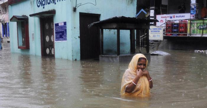 Decenas de muertos tras inundaciones y deslizamientos de tierra en India