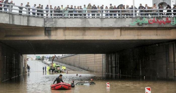 Al menos 17 personas han muerto por inundaciones en la ciudad iraní de Shiraz