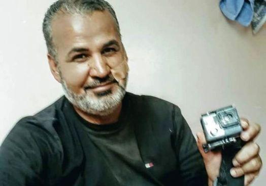 Periodista recibe un disparo de un francotirador, pero lo salva su GoPro