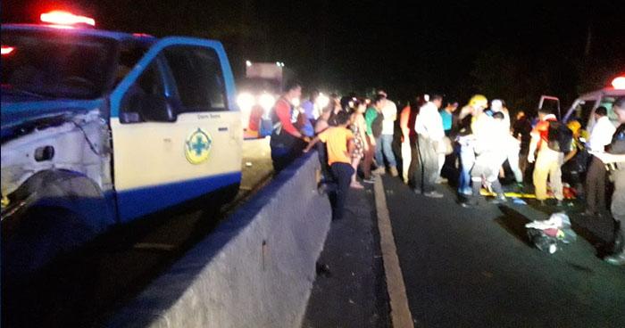 Joven gravemente lesionada tras ser atropellada en carretera a Quezaltepeque