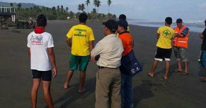Buscan a joven que desapareció en playa San Diego