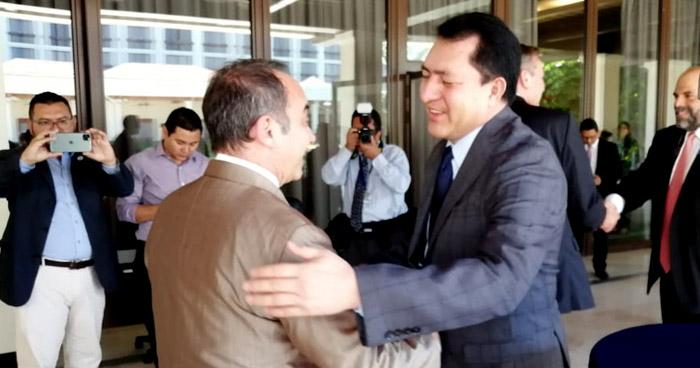 Junta Directiva de la Asamblea muestra videos de lo que pasó el domingo al cuerpo diplomático