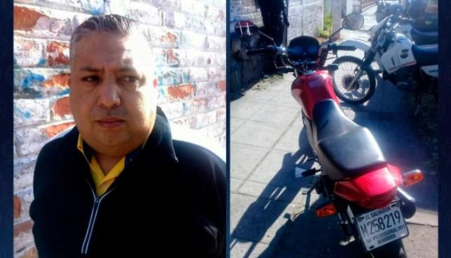 Sorprenden en San Salvador a sujeto que se transportaba en una motocicleta robada
