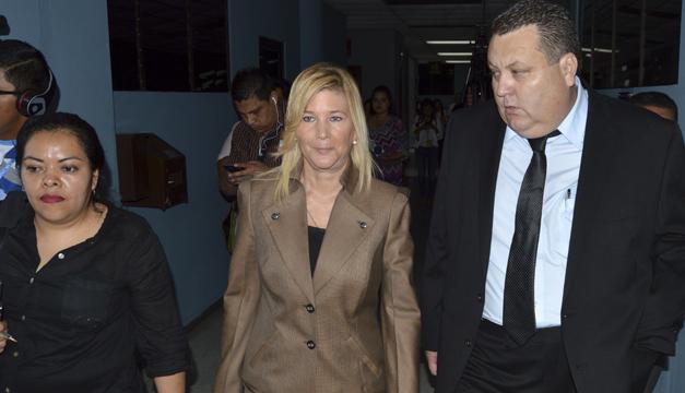 La ex primera dama, Ana Ligia de Saca solicita disminución de la fianza