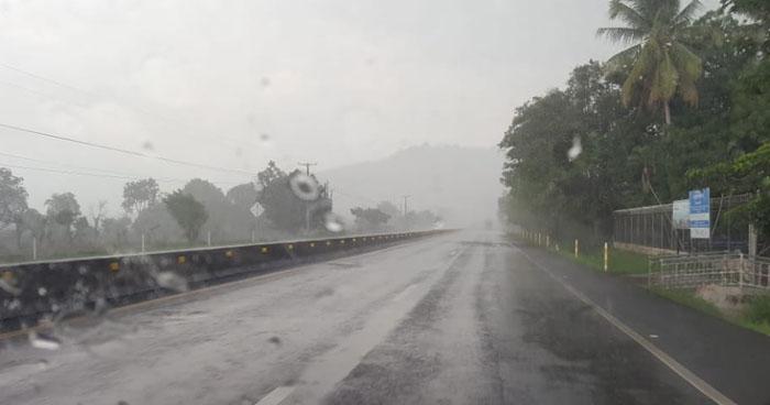 Continúen probabilidad de lluvias dispersas sobre el territorio nacional