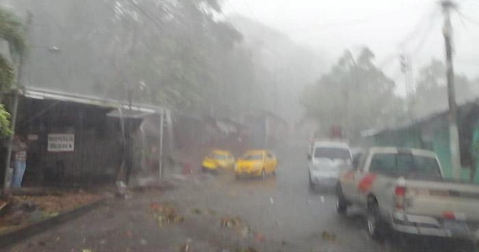 Probabilidad de lluvia en horas del mediodía en el oriente del país