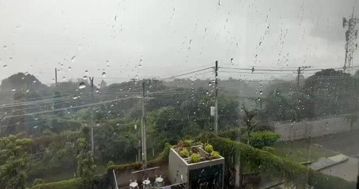 Remanentes de humedad dejados por una Onda Tropical continuarán dejando lluvias este miércoles