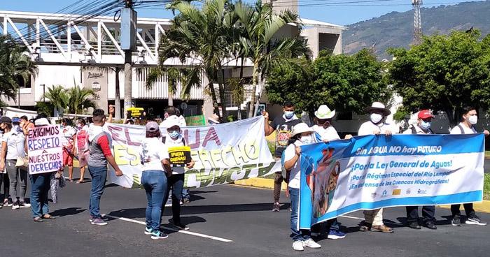 Organizaciones marchan en conmemoración al Día Mundial del Agua