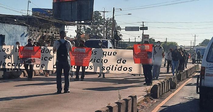 Sindicalistas marchan para exigir la no privatización de los servicios municipales