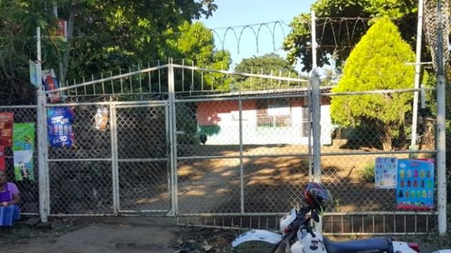Asesinan a balazos a propietario de una tienda al interior de su casa en San Miguel