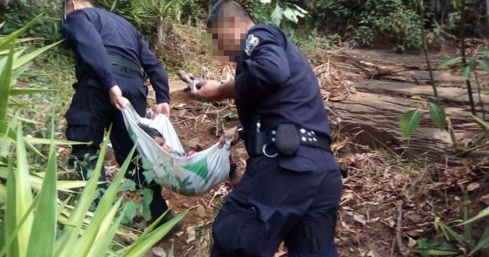 Policías rescatan a niño abandonado en un barranco de Ahuachapán