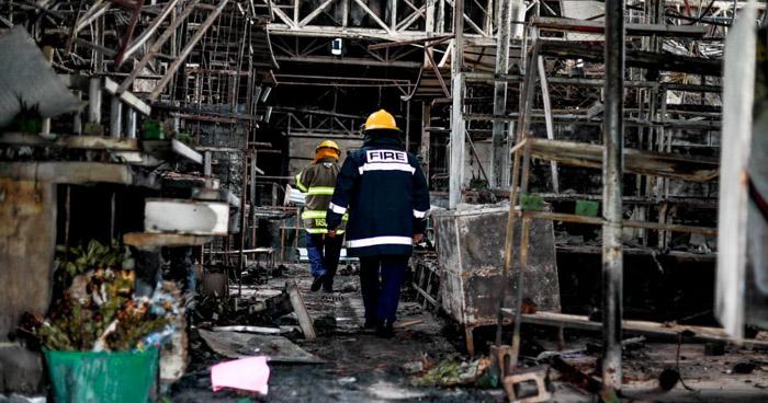 Evalúan daños e investigan el origen del incendio que daño el Mercado San Miguelito