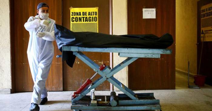México supera a España en número de muertos por COVID-19
