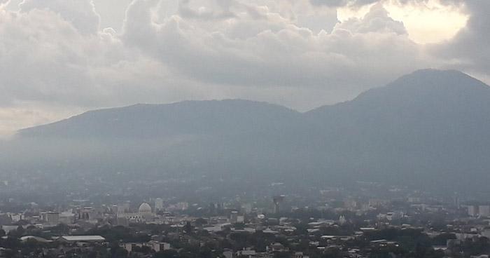 Paso de una Onda Tropical influenciará lluvias dispersas para este miércoles