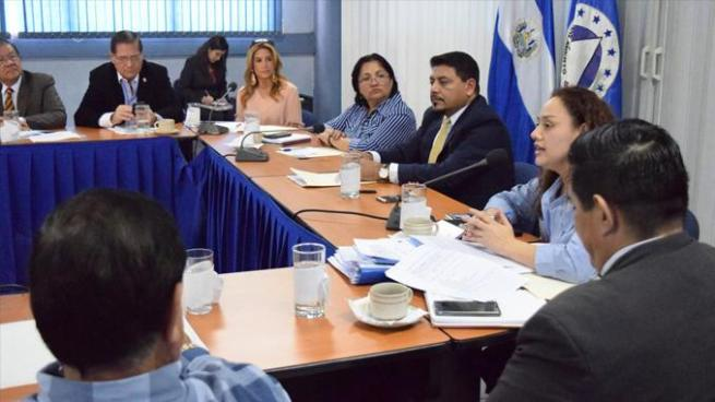 Migración busca ampliar carnetización en zonas fronterizas