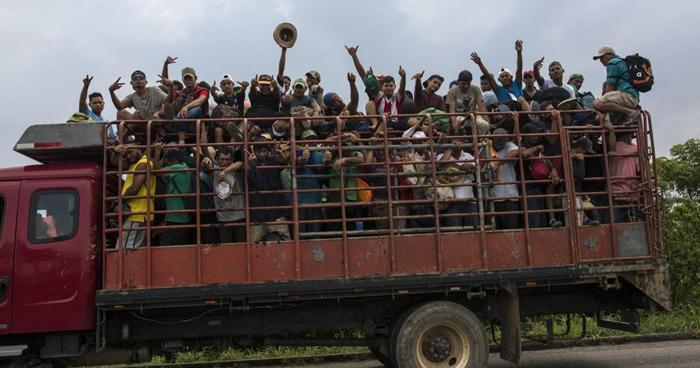 Dos camiones con 80 migrantes de una caravana han desaparecido en México