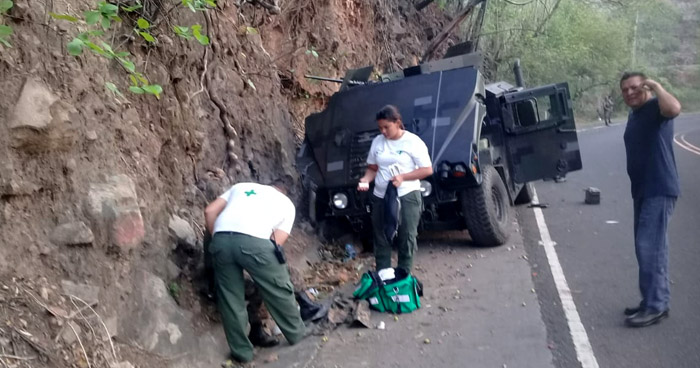 Soldados lesionados al accidentarse vehículo militar en San Miguel