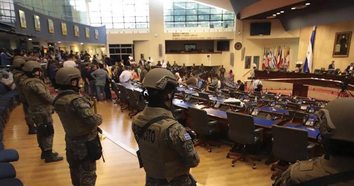 Sala de lo Constitucional ordena a Bukele abstenerse de usar la FAES y PNC en actividades contrarias a los fines constitucionales