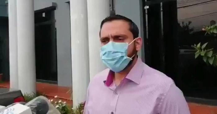 """""""Sistema de Salud podría estar al borde el colapso"""", dice Ministro de Salud ante crisis sanitaria"""