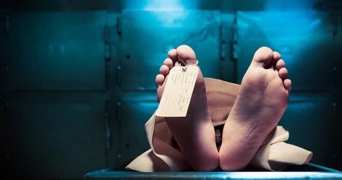 Mujer declarada muerta fue encontrada respirando dentro del refrigerador de una morgue en Sudáfrica