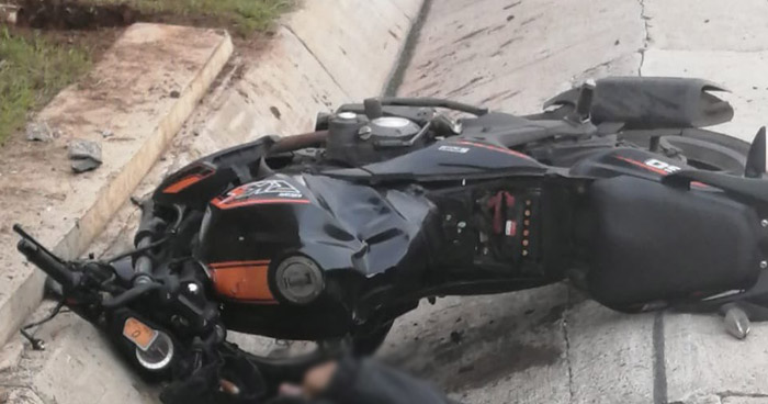 Motociclista pierde la vida tras accidentarse sobre carretera al Puerto de La Libertad