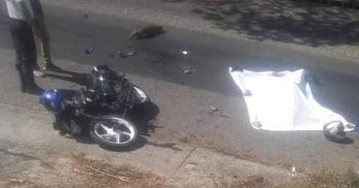Motociclista muere al intentar rebasar en carretera Troncal del Norte