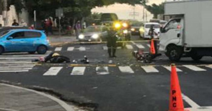 Motociclista pierde la vida tras fuerte choque en San Salvador