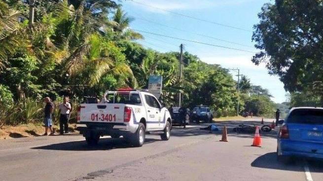 Motoclista muere tras invadir carril y chocar contra un vehículo en carretera Panamericana