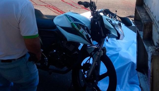 Muere motociclista tras estrellarse con la parte trasera de un furgón en la carretera Los Chorros
