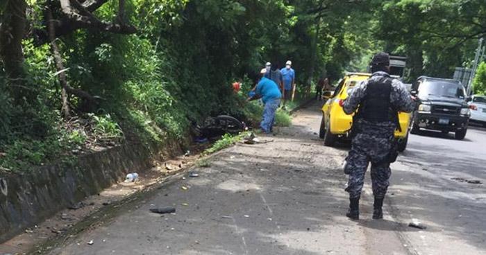 Motociclista pierde una extremidad tras ser arrollado en carretera de San Miguel