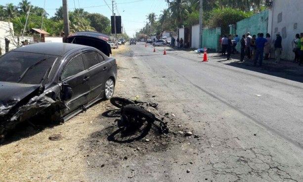 Motociclista muere tras impactarse con un automóvil en carretera a Costa del Sol