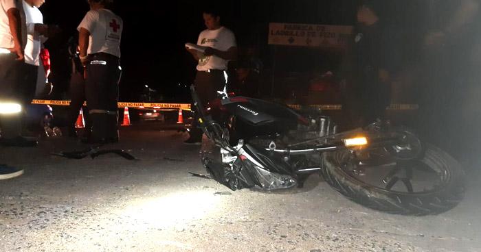 Motociclista muere al impactar contra una pared en el Puerto de La Libertad