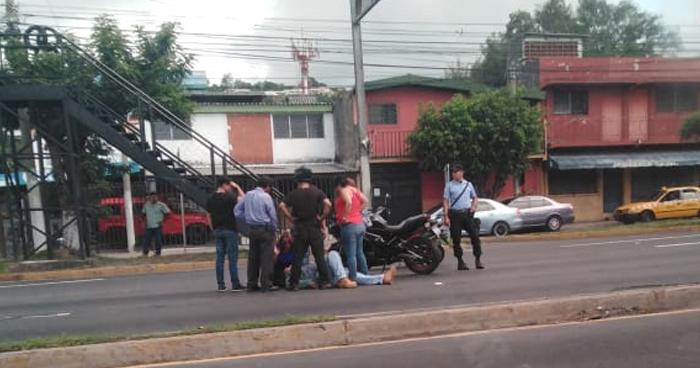 Motociclista accidentado provocó caos sobre el bulevar Los Próceres