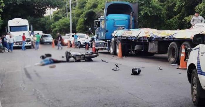 Muere agente de la PNC en accidente de tránsito sobre carretera de Sonsonate