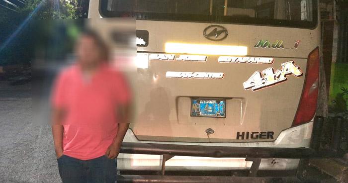 Ubican a motorista de Ruta 41-A que conducía sin licencia y en sentido contrario
