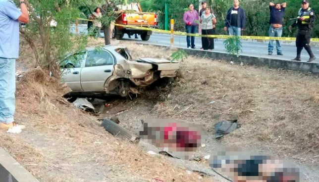Tres muertos y un lesionado tras grave accidente de tránsito en autopista a Comalapa