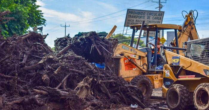 Continúa labores de búsqueda de desaparecidos y remoción de escombros en Nejapa