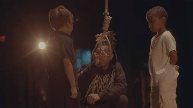 Polémico | XXXTentacion ahorcar a un niño blanco en su nuevo videoclip